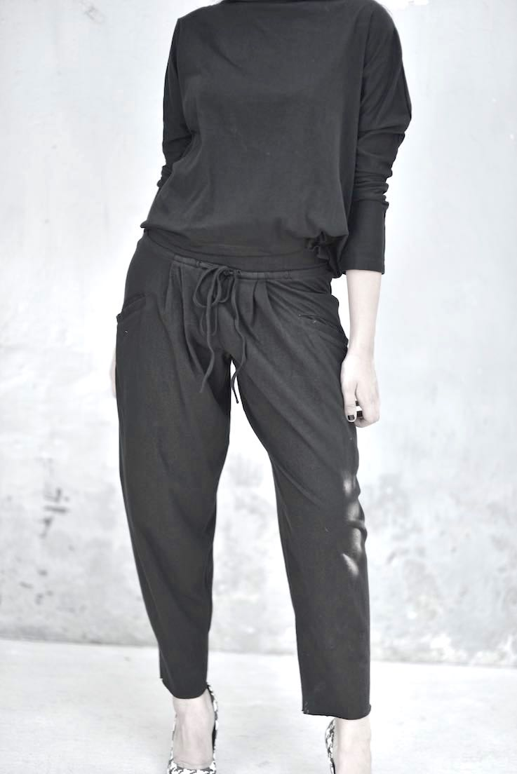Eris, High Low Blouse with Loose Fitted Slouchy Pants in Black - kinchecom