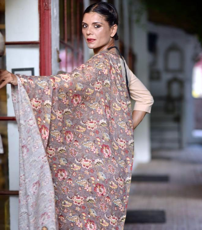 Teesta, Organic Linen Brown Saree with a Beautiful Botanical Pattern - kinchecom