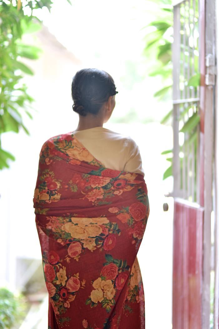 Saltoro, Organic Linen Saree in a Beautiful Deep Red Color with contrast Floral Print - kinchecom