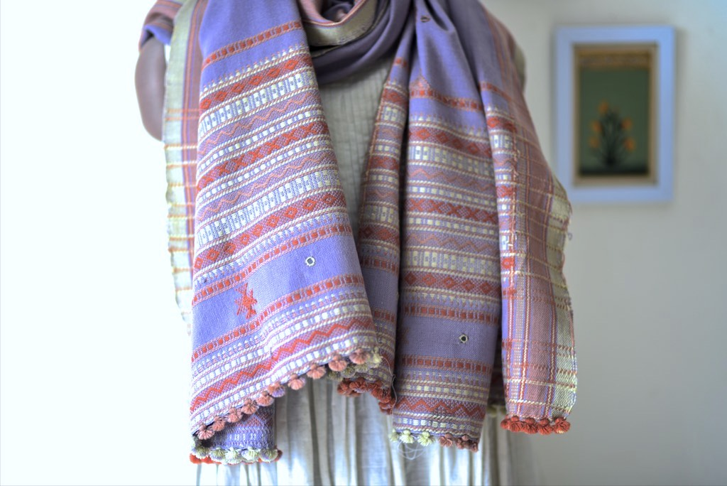Bhuj, Hand Made Pure Wool Shawl from Gujarat, One of a Kind - kinchecom