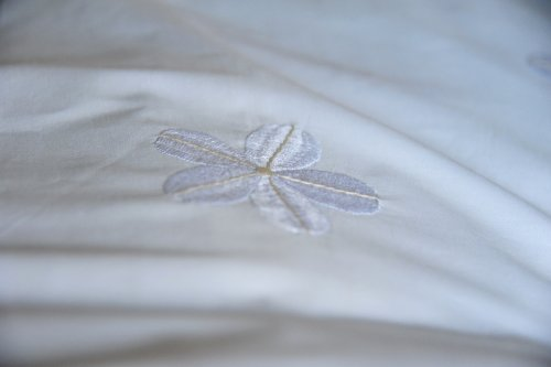 "White Daisies Embroidered Duvet Cover Queen Size 98X92"" - kinchecom"