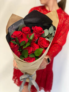 Red Roses Please