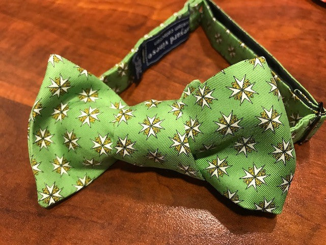 Vineyard Vines Order of St John Bow Tie (Lime)