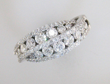 Fabulous 18k White Gold Diamond Bypass Design Ring
