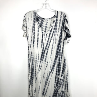 Primary Photo - BRAND:  CMB STYLE: DRESS LONG SHORT SLEEVE COLOR: BLACK WHITE SIZE: XS OTHER INFO: TIE DYE SKU: 164-164196-137