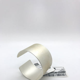 Primary Photo - BRAND:    CLOTHES MENTOR STYLE: BRACELET COLOR: SILVER OTHER INFO: CUFF SKU: 164-164140-16998
