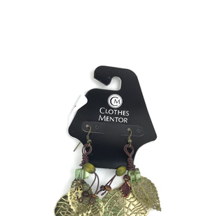 Primary Photo - BRAND:    CLOTHES MENTOR STYLE: EARRINGS COLOR: GOLD OTHER INFO: LARGE LEAF GREEN BEADS - SKU: 164-164136-17446