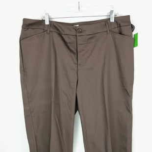 Primary Photo - BRAND: ST JOHNS BAY STYLE: PANTS COLOR: BROWN SIZE: 18 OTHER INFO: CAPRI CUFFED SKU: 164-164196-243