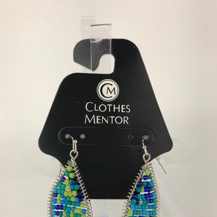 Primary Photo - BRAND:    CLOTHES MENTOR STYLE: EARRINGS COLOR: BLUE GREEN OTHER INFO: BEADED DANGLE SKU: 164-164175-4674