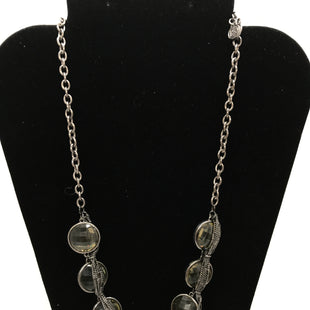 Primary Photo - BRAND:    CLOTHES MENTOR STYLE: NECKLACE COLOR: SILVER OTHER INFO: CLEAR STONES SKU: 164-164185-48