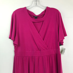 Primary Photo - BRAND: TORRID STYLE: TOP SHORT SLEEVE COLOR: MAGENTA SIZE: L OTHER INFO: SZ 1 KEYHOLE NECKLINE SKU: 164-164196-359