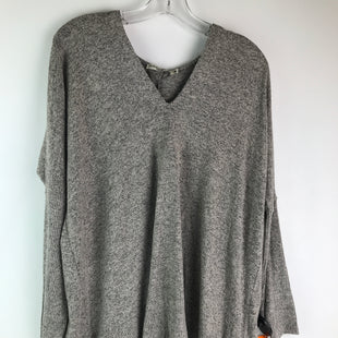 Primary Photo - BRAND:    CLOTHES MENTOR STYLE: TOP LONG SLEEVE COLOR: GREY SIZE: M OTHER INFO: CHANCE OR FATE - NEW! SKU: 164-164136-20775