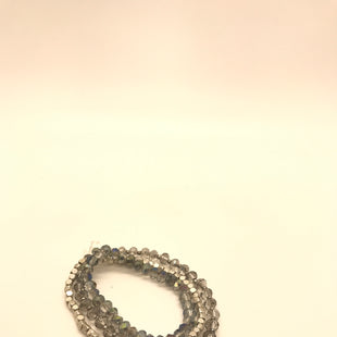 Primary Photo - BRAND:    CLOTHES MENTOR STYLE: BRACELET COLOR: GREY SIZE: 03 PIECE SET SKU: 164-164140-17001