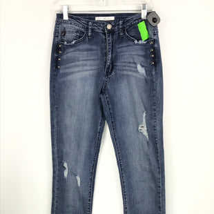 Primary Photo - BRAND: KANCAN STYLE: JEANS COLOR: DENIM BLUE SIZE: 6 OTHER INFO: SZ. 28 RIPPED/ SILVER GROMMETS SKU: 164-164196-277
