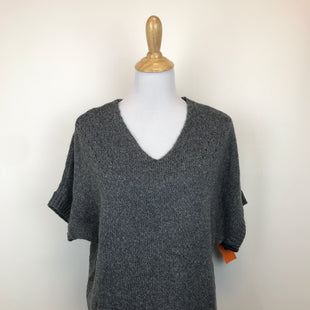 Primary Photo - BRAND: LIMITED O STYLE: SWEATER LIGHTWEIGHT COLOR: GREY SIZE: S OTHER INFO: NEW! SKU: 164-164136-19706