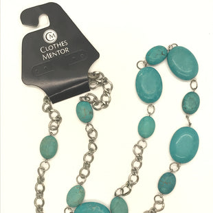 Primary Photo - BRAND:    CLOTHES MENTOR STYLE: NECKLACE COLOR: TURQUOISE OTHER INFO: SILVER CHAIN SKU: 164-164189-642