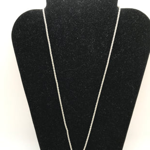 Primary Photo - BRAND:    CLOTHES MENTOR STYLE: NECKLACE COLOR: SILVER OTHER INFO: TURQUOISE MIDDLE PENDANT SKU: 164-164140-16008