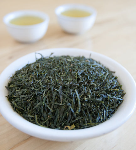 Organic Sencha, Japanese green tea, presents natural, earthy notes, with a fresh grassy aroma