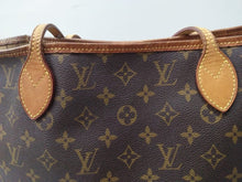 Load image into Gallery viewer, Preloved Louis Vuitton Neverfull MM 2009