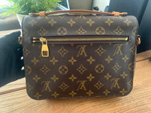 Load image into Gallery viewer, Preloved Louis Vuitton Metis