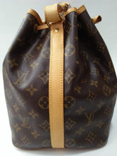 Load image into Gallery viewer, Preloved Louis Vuitton Noe Petit 2008
