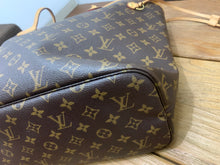 Load image into Gallery viewer, Louis Vuitton Neverfull MM Monogram Preloved