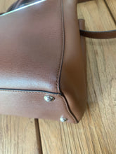 Load image into Gallery viewer, Preloved FENDI 2 Jours Petite