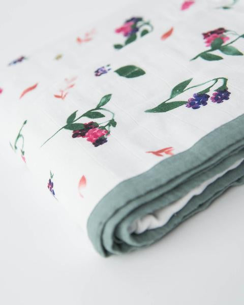 Deluxe Muslin Quilt- Berry Patch