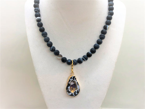 Matte Black Agate and Amethyst Short Beaded Necklace - Emmis Jewelry,