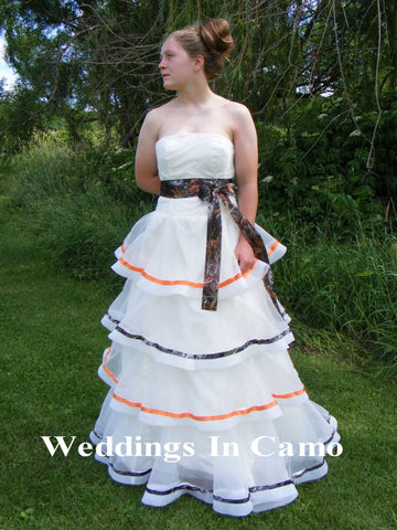 COUNTRY WEDDING DRESS+Camo accents+Rustic Country Wedding Dress