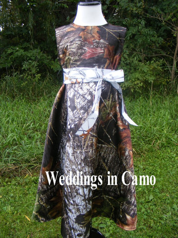 CAMO FLOWER GIRL Dress in Satin with sash