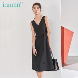 INMAN New Arrival Literary V-line Collar A-line Lower Hem Nipped Waist Slimmed Dress