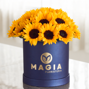 Hat box azul con 20 girasoles