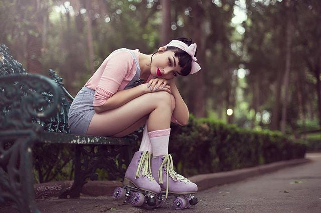katymenocal hot babe in roller skates wearing pink