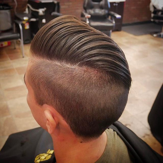 thegolfingbarber Mike Lopez undercut haircut with Suavecito Matte Pomade
