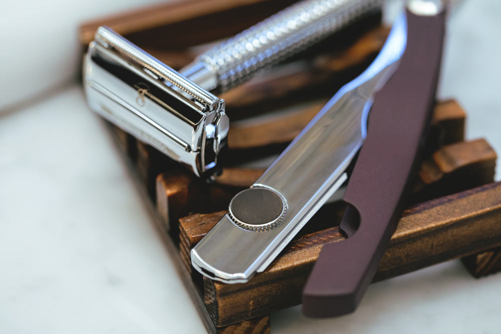 Safety razor and a straight razor