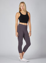 Load image into Gallery viewer, Bamboo 3/4 Length Leggings