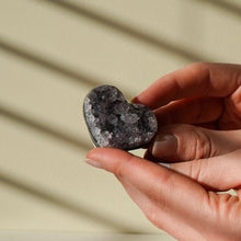 Load image into Gallery viewer, amethyst druzy heart - yahra