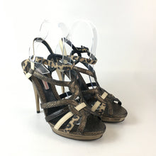 Load image into Gallery viewer, Vintage Charles Jourdan sandals ( new)