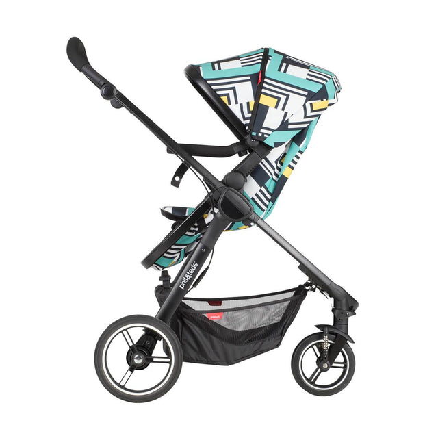 phil&teds mod stroller in abstract colour with main seat in parent facing mode 3/4 view_abstract