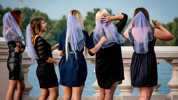 16 Unique Games For Bachelorette Party, Your Girls Will Actually Want to Play