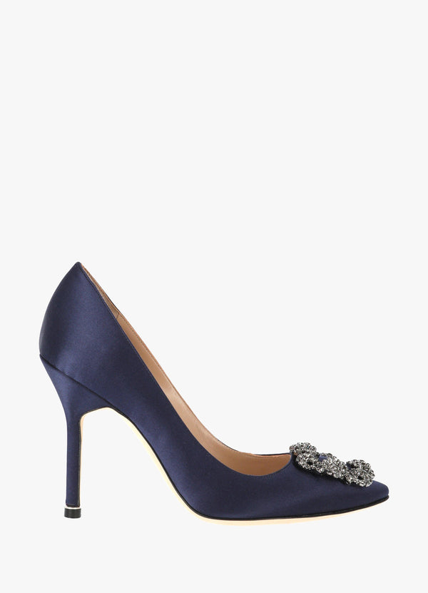 Manolo Blahnik Satin Jewel Buckle Pumps HANGISI FMC LANZA CLAVA 105