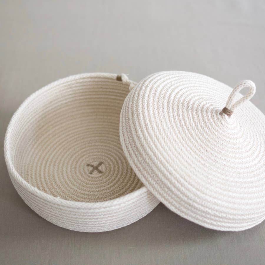 Wide Basket With Lid - Natural White