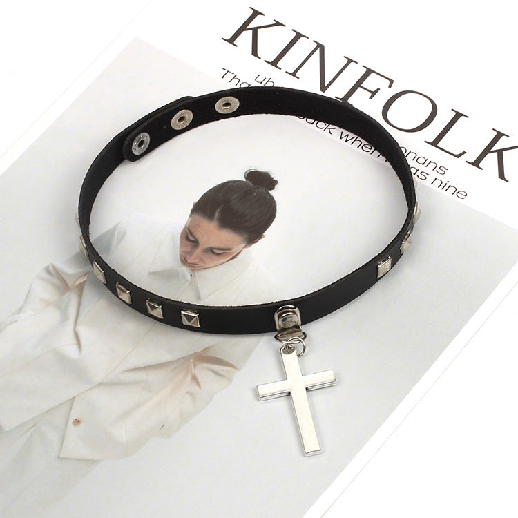 Bestkawaii-Rivet-Cross-Choker