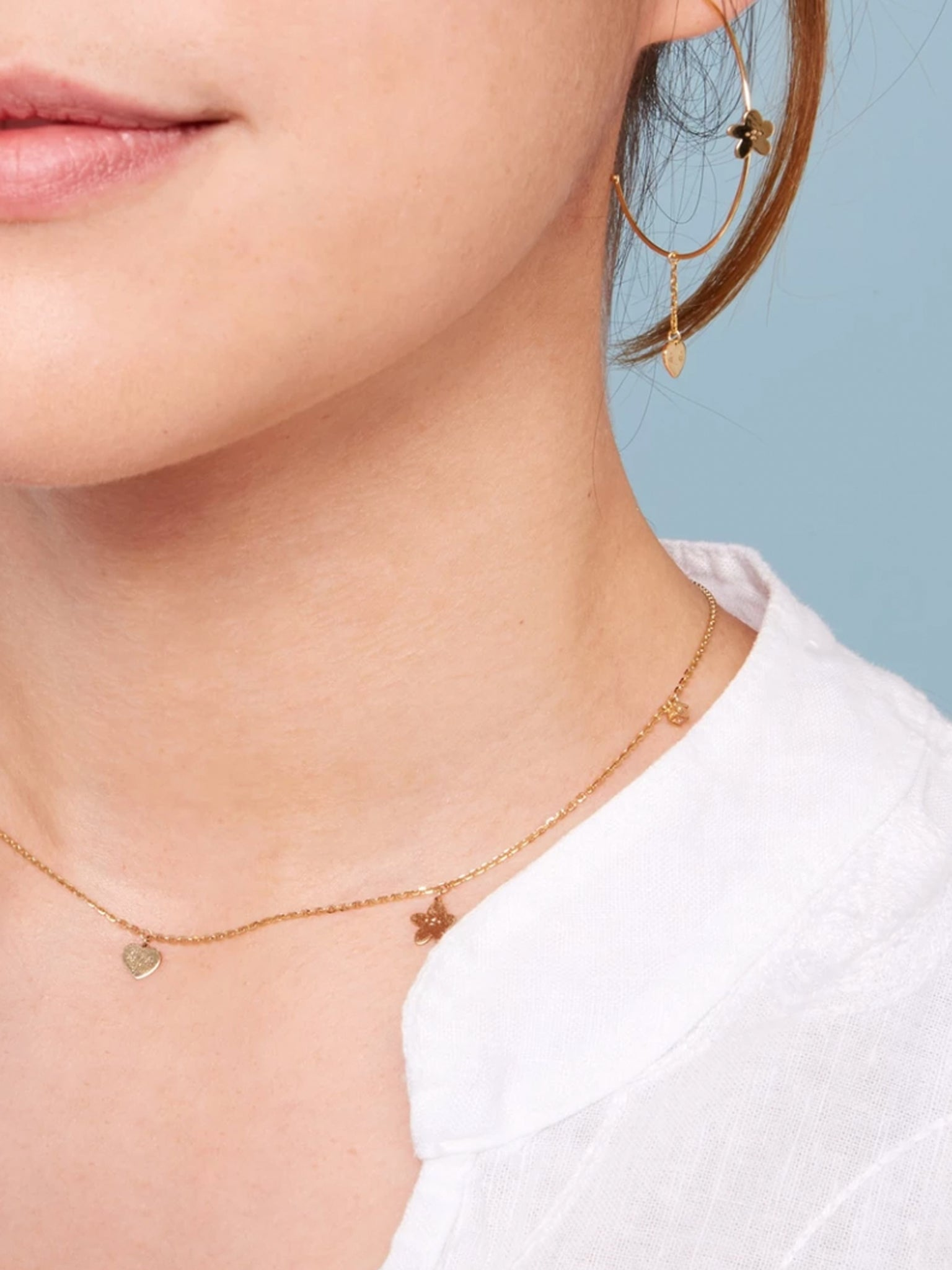 LOVE ME NOT NECKLACE / GOLD