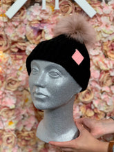 Load image into Gallery viewer, HOH POMPOM BEANIE BLACK
