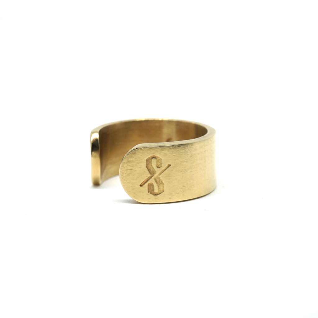 SAINT RING: 18-karat gold