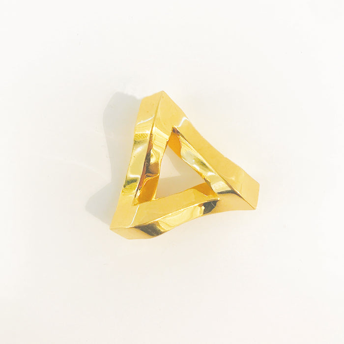 Penrose Triangle (18K Gold)
