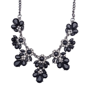 Trendy Elegant Black Collar Necklace Resin Flower Crystal Stylish Women Jewelry (Black)