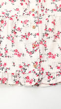 Load image into Gallery viewer, Sweet Florals Blouse